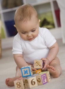 jeu-bebe-cubes