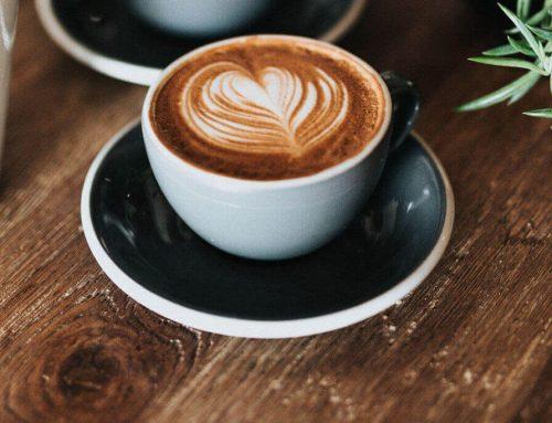Le café et le thé en consommation raisonnable bénéficient aux séniors